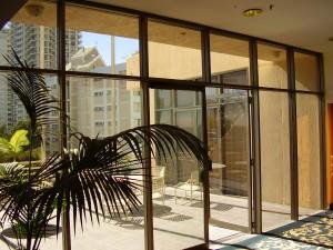aluminium window painting - Holiday Inn (Before)